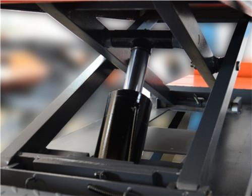 SHL-Y-J-40CBL on Ground  Wheel Alignment  Scissor Lift